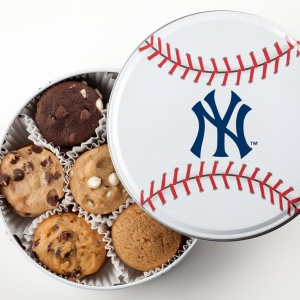 New York Yankees Baseball Tin 18 Nibblers