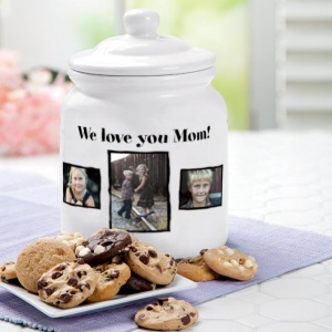 Delicious treat in a homemade cookie jar for a mothers day gift